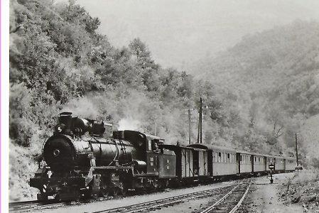 ŽS Jugoslawische Eisenbahnen. Schmalspur-Lokomotive 85 – 039 in Mededa (1072)