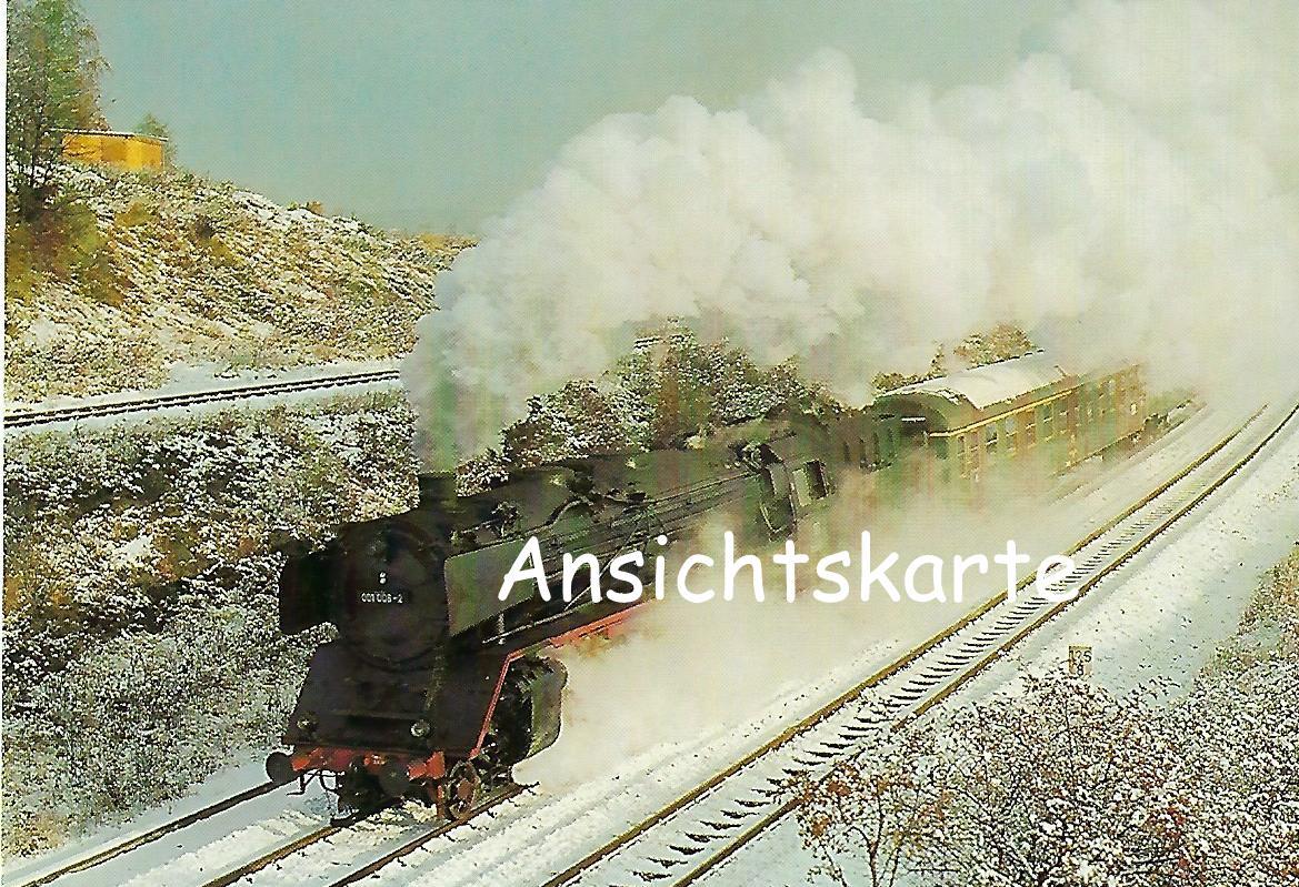 DB Schnellzuglokomotive 001 008 vor Eilzug bei der Ausfahrt Hof Hbf. (1154)