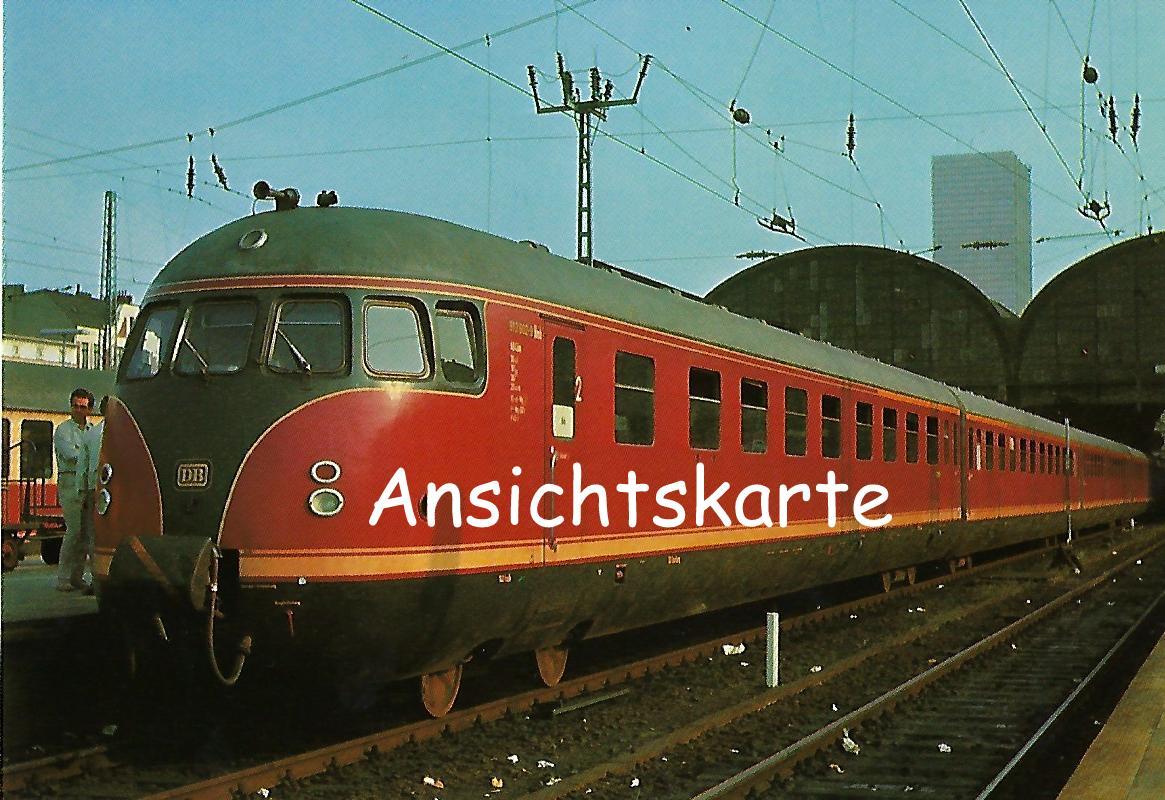 DB Verbrennungstriebwagen VT 12.5 in Bhf. Hamburg-Altona. (1279)