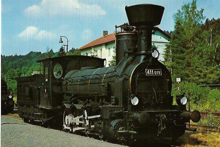 ČSD Dampflokomotive 411.019 in Kořenov. Eisenbahn Bestell-Nr. 1292