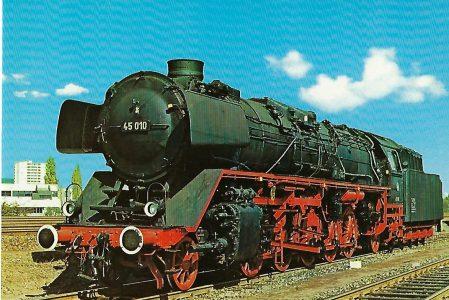 Güterzug-Lokomotive 45 010 der Deutschen Bundesbahn. Eisenbahn Bestell-Nr. 5142