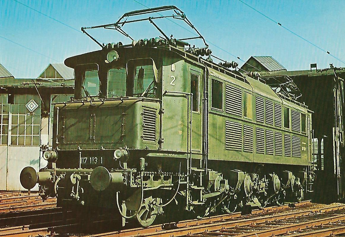 Schnellzug-Lokomotive 117 113-1 der DB. (5164)