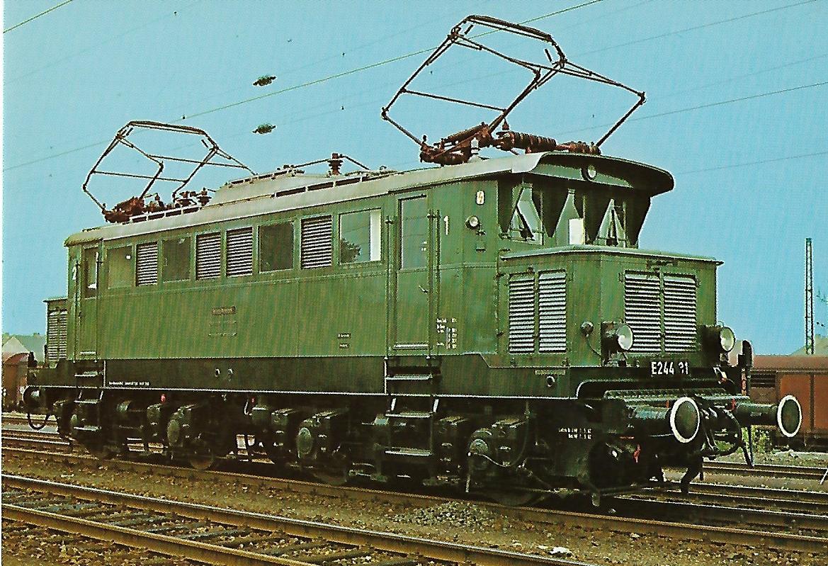 Lokomotive E 244 31 der DB. (5165)