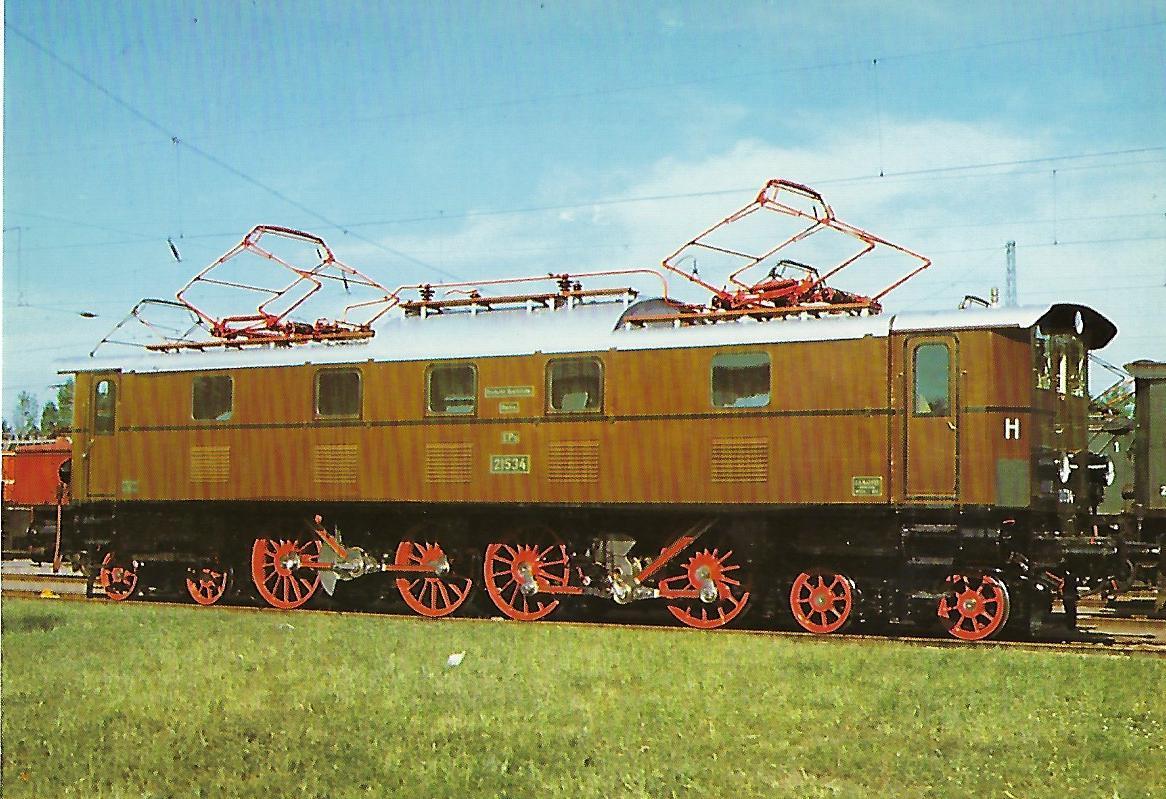 152 034-6 Elektrische Personenzuglokomotive. (10282)