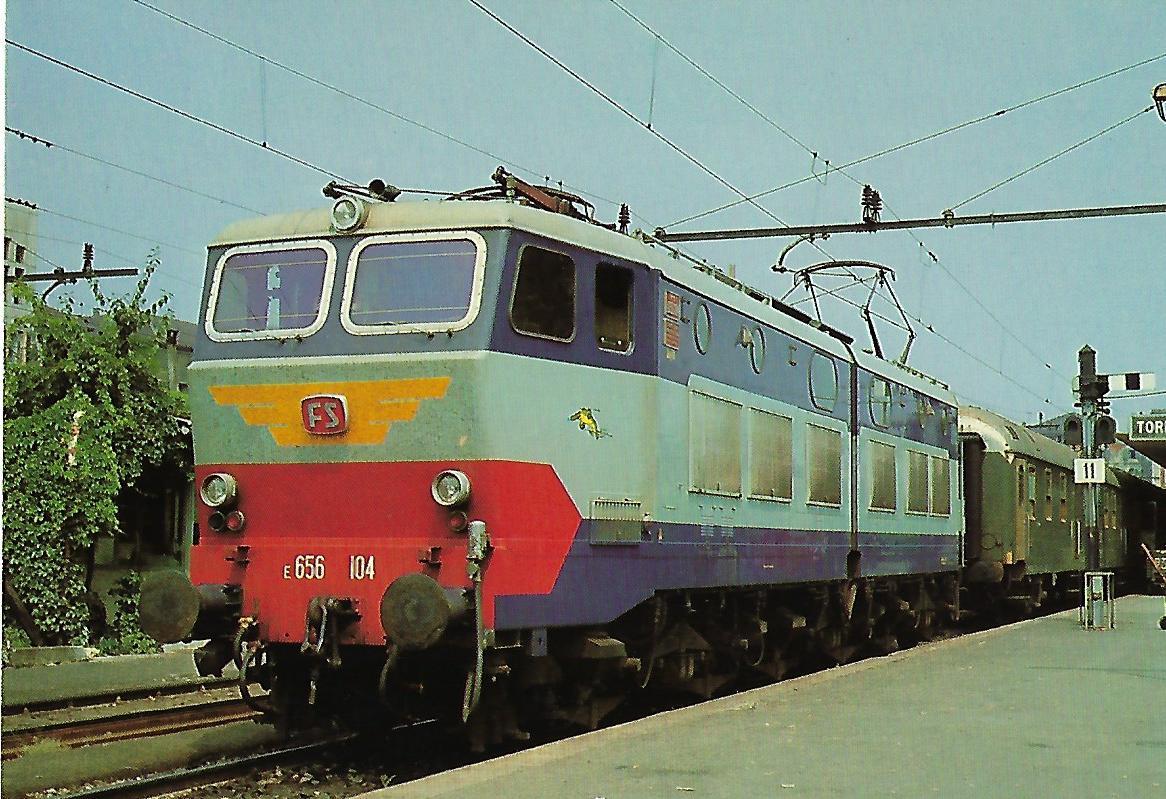 Italienische Staatsbahn, Elektrische Gelenklokomotive E 656 104 in Turin. (10299)
