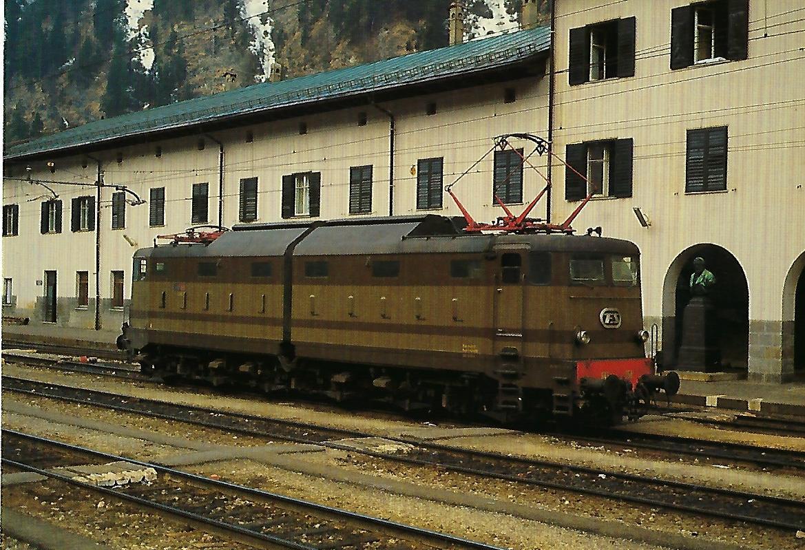 FS E.645 im Bhf. Brenner. Eisenbahn Bestell-Nr. 10349