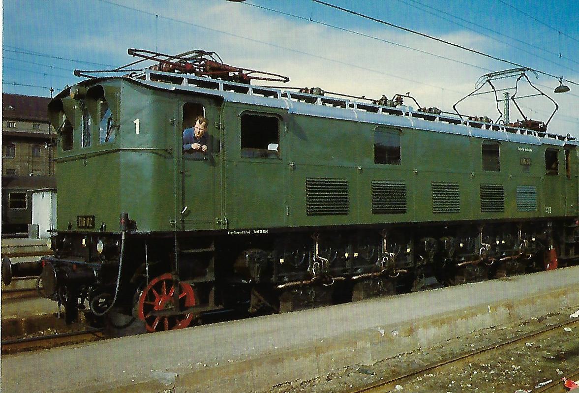 DB, elektr. Schnellzuglokomotive E 16 02. (10355)