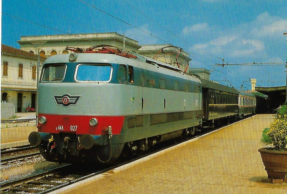 FS, elektr. Schnellzuglokomotive 444.027 in Livorno. (10366)