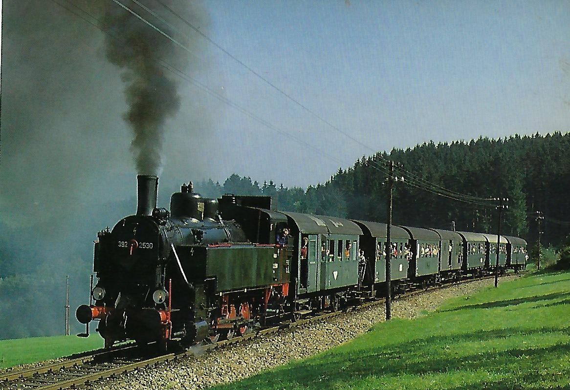 ÖGEG 3925.2530 mit Sonderzug vor Rohrbach-Berg. (5315)