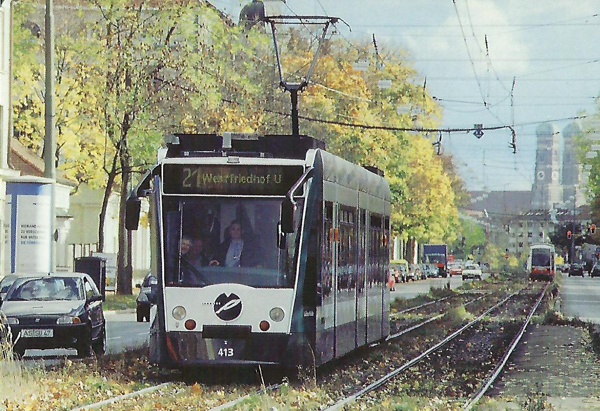 Combino Nr. 413 in der Dachauer Straße. (99101)