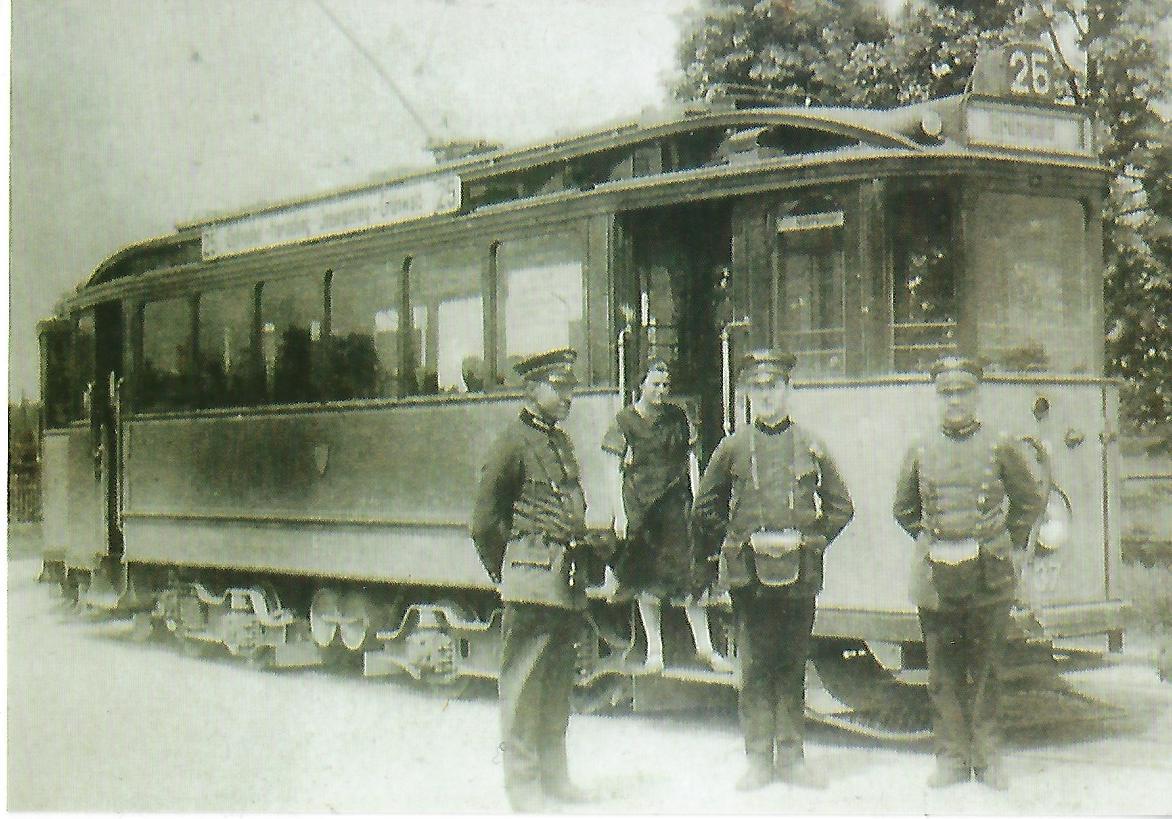 E 2.8-Triebwagen 537 in Grünwald. (99104)
