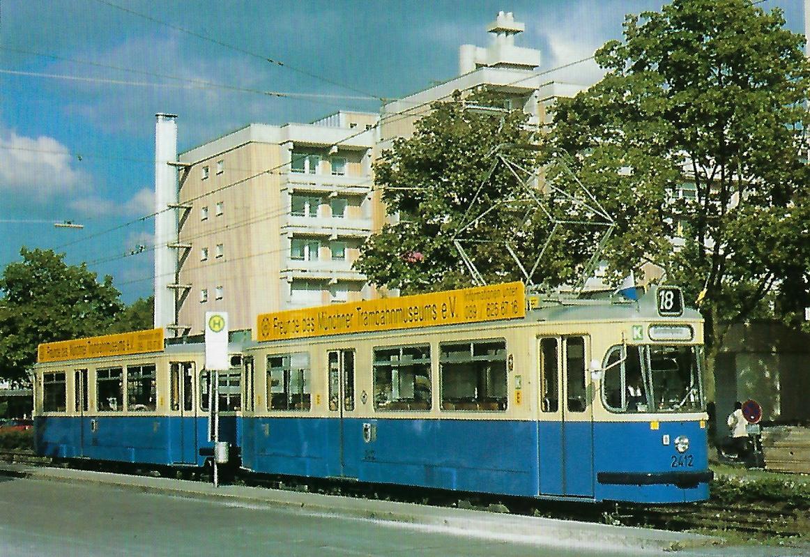 M 4.65-Triebwagen 2412 an der Fachnerstraße. (99210)
