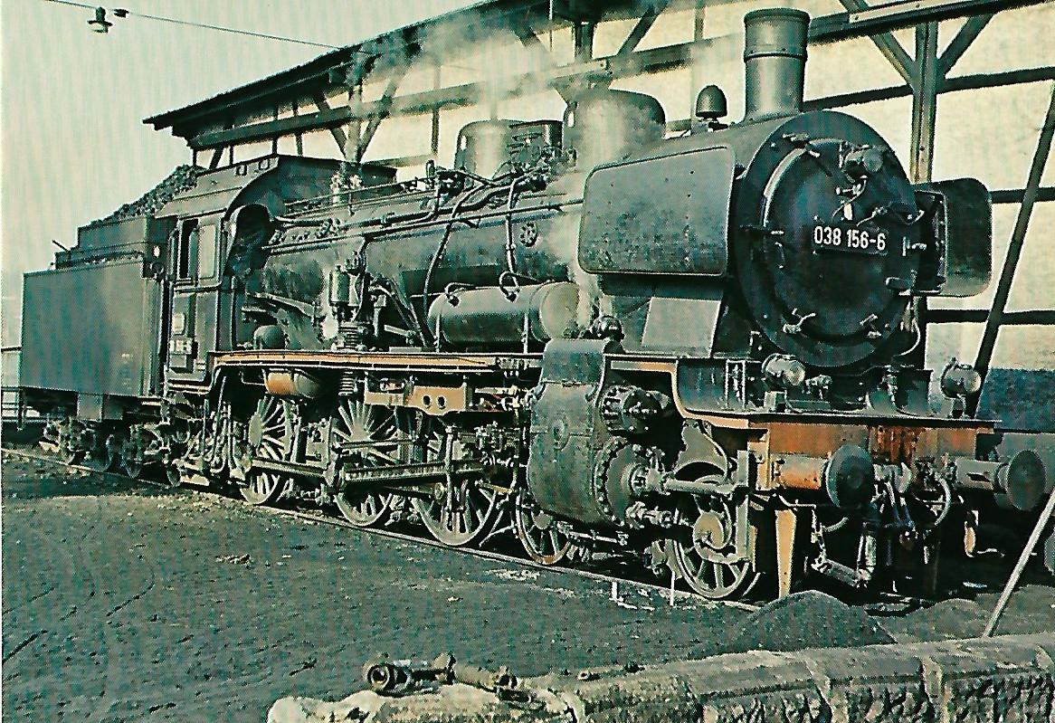 Personenzug-Dampflokomotive 038 156-6 (ex preuß. P 8) im Bw Rottweil. Eisenbahn Bestell-Nr. 10400