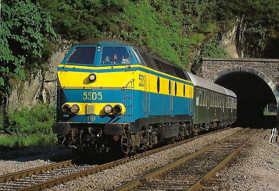 SNCB, diesel-elektrische Lokomotive 5505 beim Bhf. Michelau. (10409)