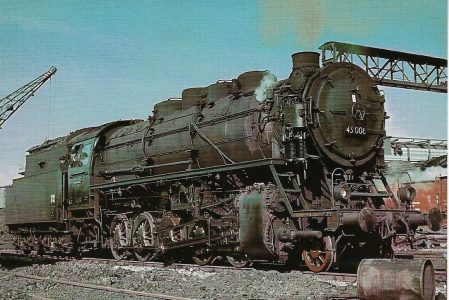 Bahnhof Cottbus Güterzug-Dampflokomotive. Eisenbahn Bestell-Nr.  43 008