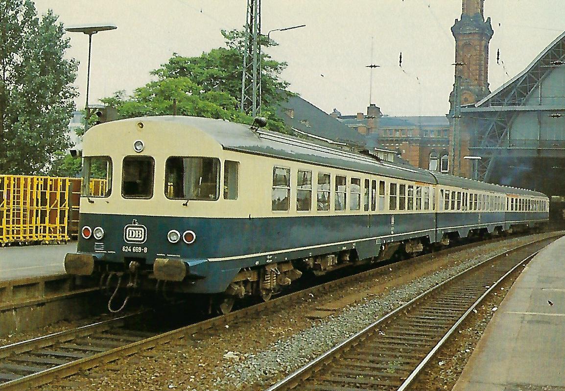 DB, diesel-hydraulischer Triebwagenzug 624 669-8 (VT 24.6) in Bremen Hbf. (10427)