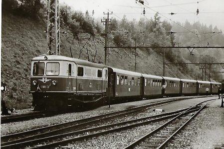 ÖBB Elektrische Lokomotive 1099.13 im Bahnhof Gösing. Eisenbahn Bestell-Nr. 1161