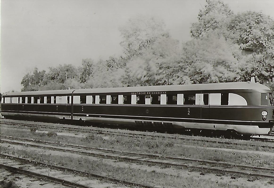 """DR Dieselektrischer Schnelltriebwagen SVT 137 229 a/b, Typ """"Hamburg"""". Eisenbahn Bestell-Nr. 1247"""