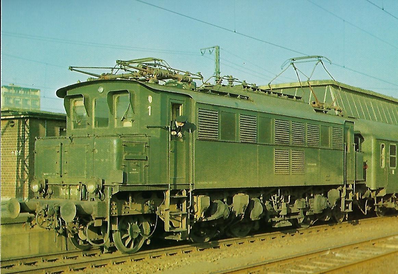 DB Elektr. Schnellzuglokomotive 104 018-7 in Münster/Westf.. Eisenbahn Bestell-Nr. 1271