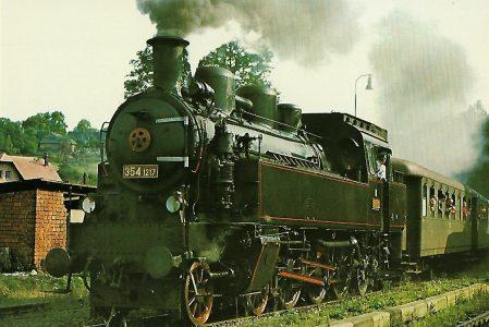 ČSD Dampflokomotive 354.1217 in Tanvald, Bahnstrecke Liberec–Kořenov. Eisenbahn Bestell-Nr. 1290