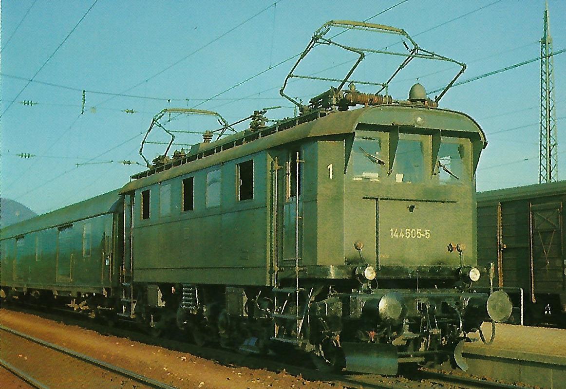 DB Elektr. Personenzuglokomotive 144 505-5 in Freilassing. Eisenbahn Bestell-Nr. 1294