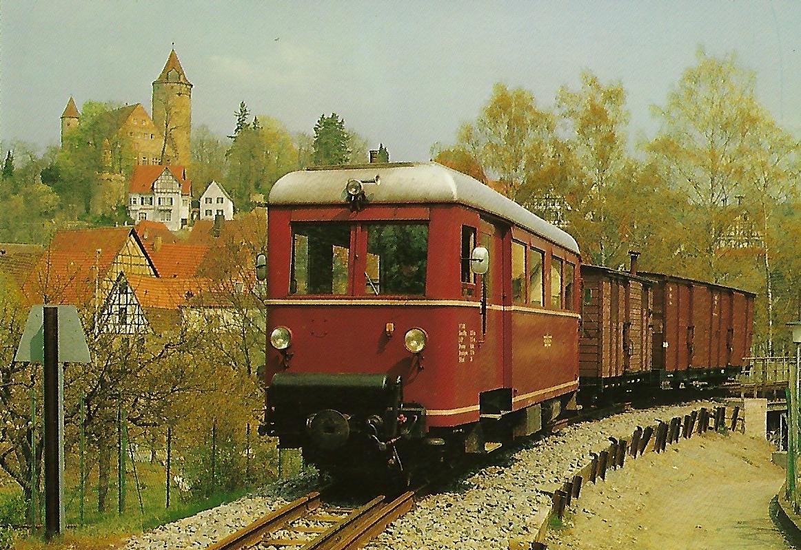 Südwestdeutsche Eisenbahnen AG (SWEG) Triebwagen VT 303 in Möckmühl, Jagsttalbahn. Eisenbahn Bestell-Nr. 1296