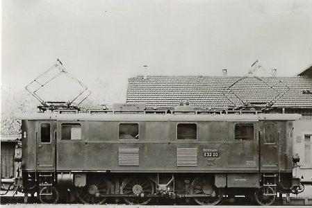 Lokomotive E 32 20 der Deutschen Bundesbahn. Eisenbahn Bestell-Nr. 5125