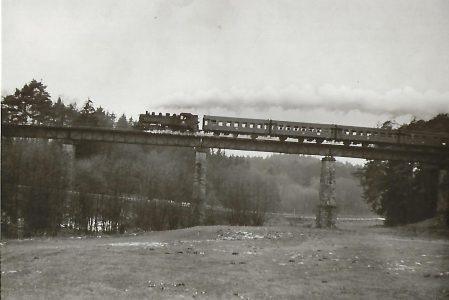 086 534 auf der Fahrt von Burgthann nach Allersberg. Eisenbahn Bestell-Nr. 5181