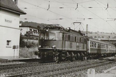 118 037 bei der Einfahrt nach Neckarsteinach. Eisenbahn Bestell-Nr. 5189