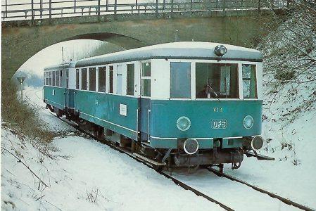 VT 1 (ex DB VT 70 919) bei Ebermannstadt am 1.3.1981. Eisenbahn Bestell-Nr. 10249