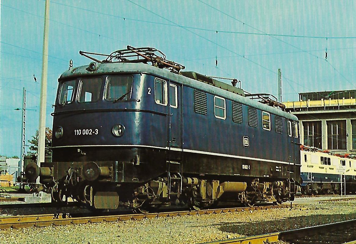 110 002-3 Elektrische Schnellzuglokomotive im Aw München-Freimann. Eisenbahn Bestell-Nr. 10261