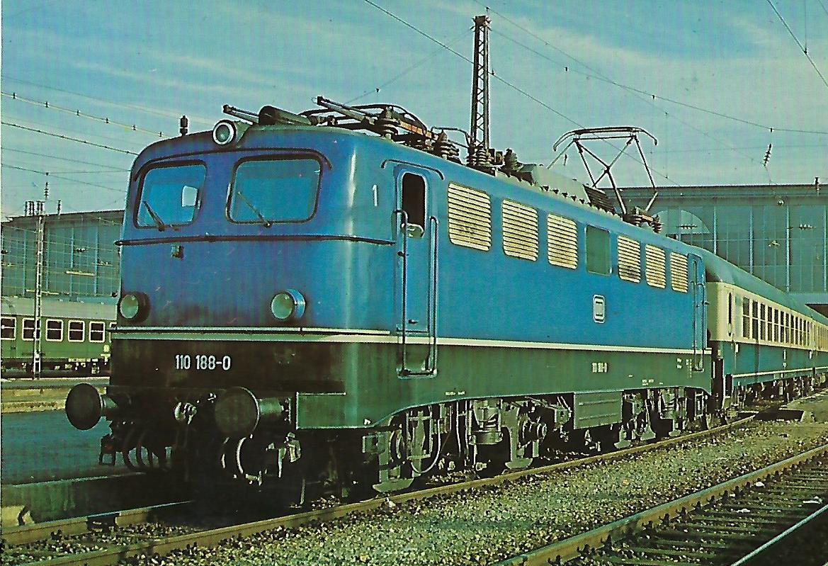 110 188-0 Elektrische Schnellzuglokomotive im Hbf. München. Eisenbahn Bestell-Nr. 10262