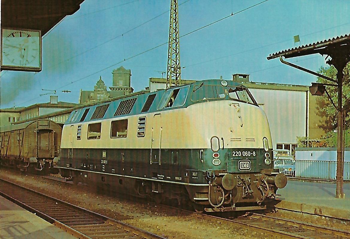 Diesel-hydraulische Lokomotive 220 060-8 im Hbf. Heilbronn. Eisenbahn Bestell-Nr. 10266