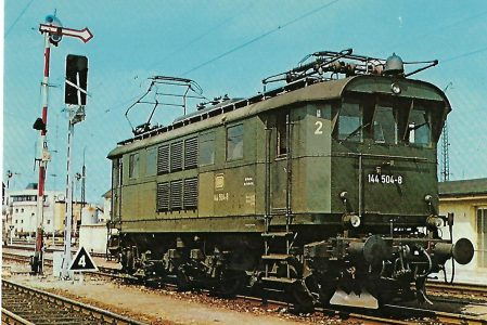144 504-8 Elektrische Personenzuglokomotive in Freilassing. Eisenbahn Bestell-Nr. 10268