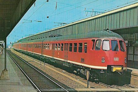ET 430 402-8 im Hbf. Essen. Eisenbahn Bestell-Nr. 10271