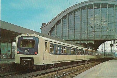 ET 472 Im Bf. Hamburg-Dammtor. Eisenbahn Bestell-Nr. 10279