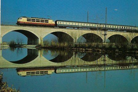 """DB-Baureihe 103, IC 561 """"Prinzregent"""" auf der Altmühlbrücke bei Gunzenhausen. Eisenbahn Bestell-Nr. 10297"""