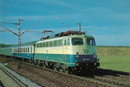 DB-Baureihe 110 Elektrische Schnellzuglokomotive bei Neu-Esting am 9.2.1981. Eisenbahn Bestell-Nr. 10300
