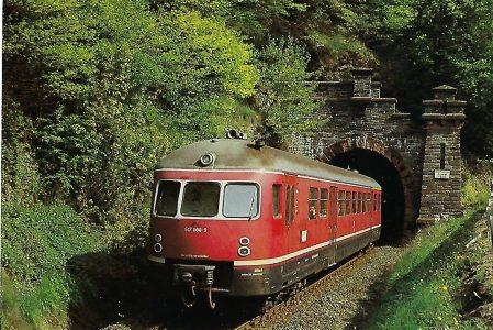 517 008-9 DB Akku-Triebwagen am Südportal, vom Haltepunkt Adolfseck. Eisenbahn Bestell-Nr. 10308