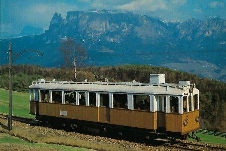 "Rittner Bahn eT Nr. 105 ""Alioth""-Triebwagen mit Dolomitenpanorama. Eisenbahn Bestell-Nr. 10346"