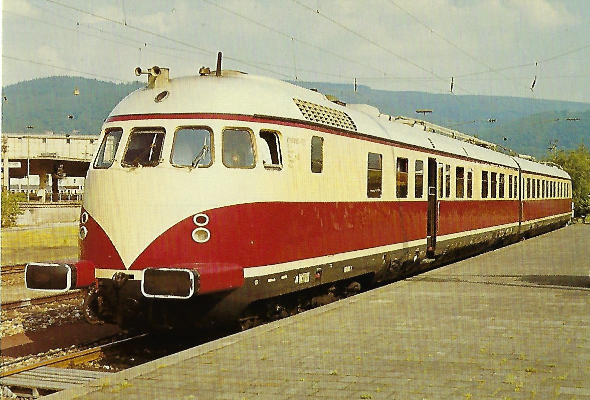 DB, Verbrennungstriebwagen VT 608 801 am 21.5.1982 im Hbf. Heidelberg. Eisenbahn Bestell-Nr. 10361