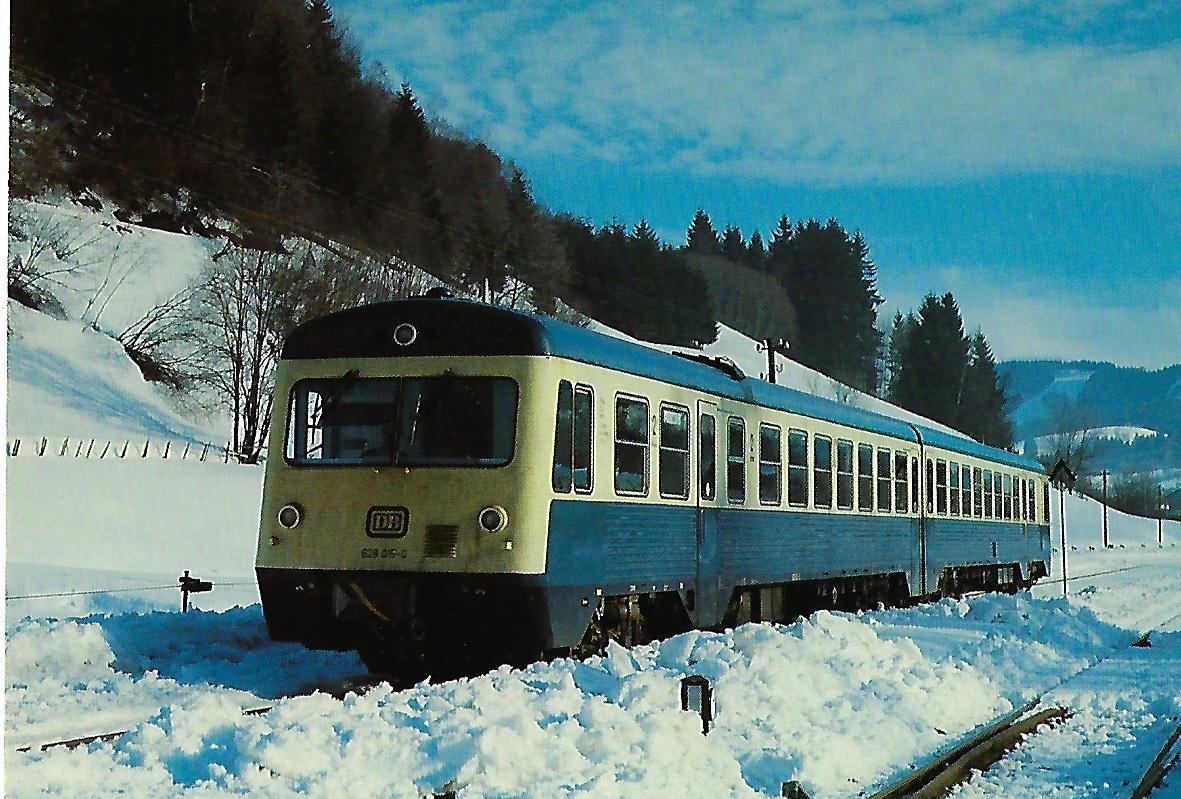 DB, dieselhydraulischer Triebwagenzug 628 015-0 im Bhf. Sibratshofen (Kempten-Isny). Eisenbahn Bestell-Nr. 10376