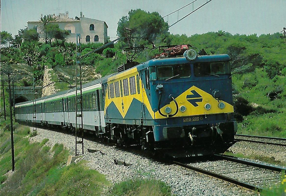 RENFE 269-215-0 bei Vilanova i la Geltrú. Eisenbahn Bestell-Nr. 10388