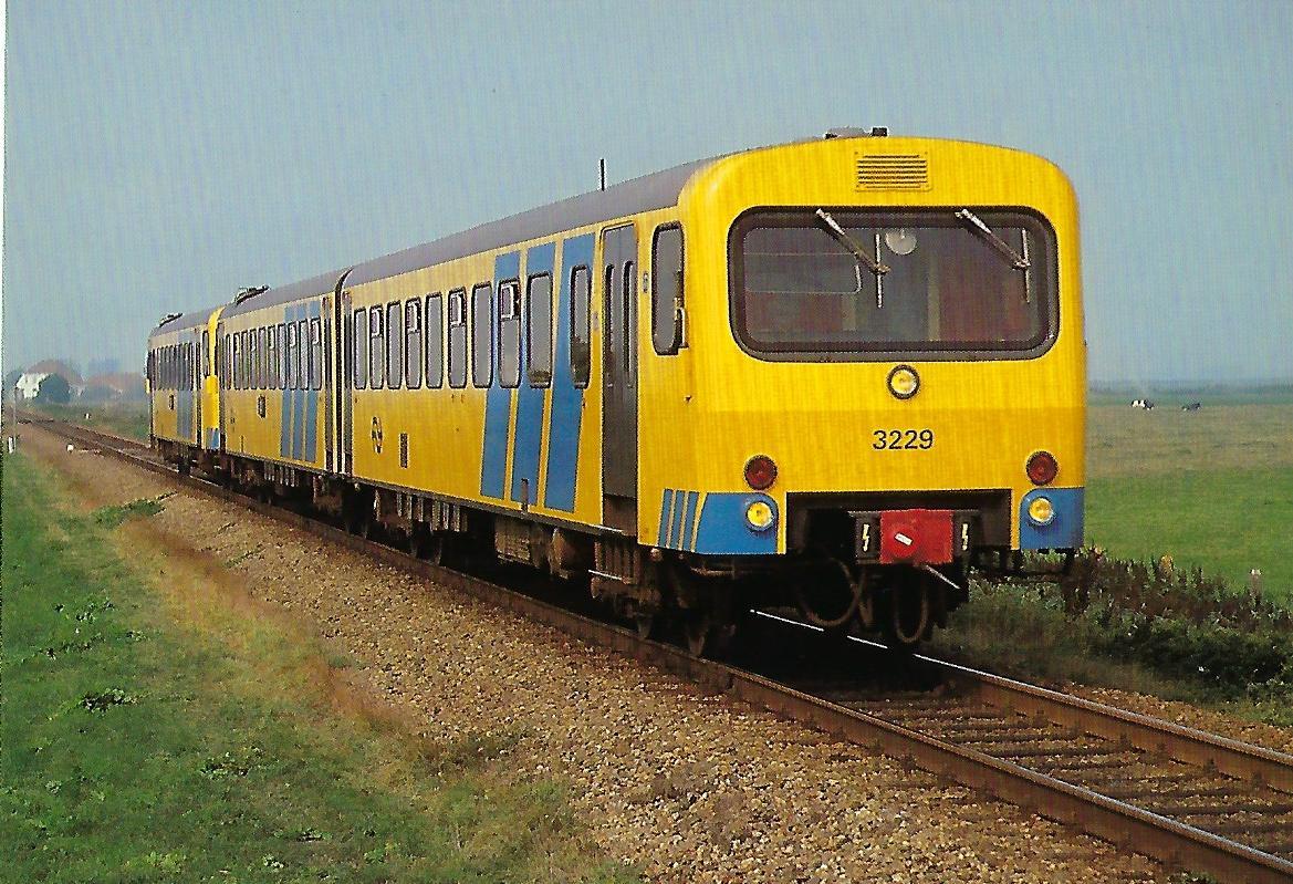 Nederlandse Spoorwegen 3229. Wadloper bei Sneek im September 1983. Eisenbahn Bestell-Nr. 10390