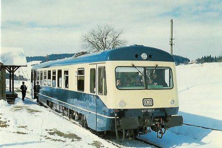 DB, diesel-hydraulischer Triebwagen 627 102-7 im Bhf. Hellengerst. Eisenbahn Bestell-Nr. 10408