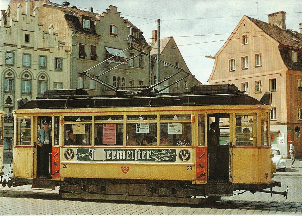 Stadtwerke Regensburg, Tw 28 am Arnulfsplatz. Straßenbahn Bestell-Nr. 90650