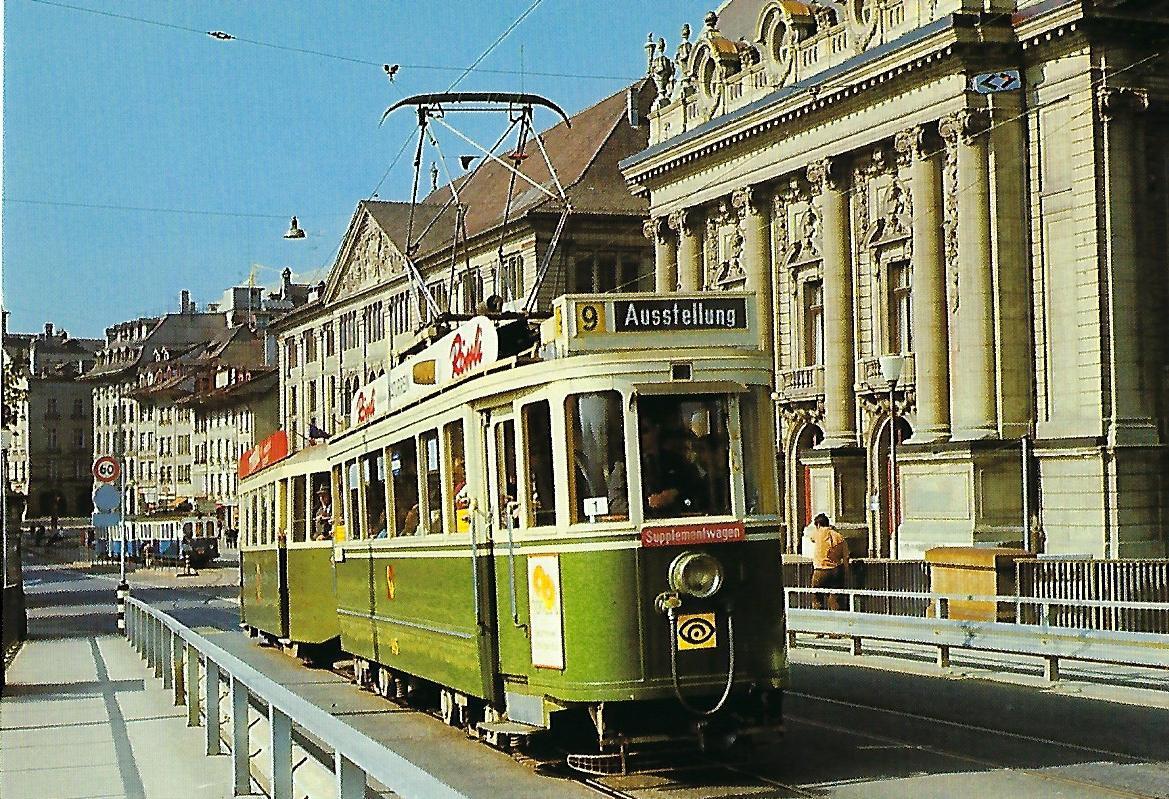 SVB Bern, elektr. Tw Be 4/4 145 auf der Kornhausbrücke. Straßenbahn Bestell-Nr. 95003