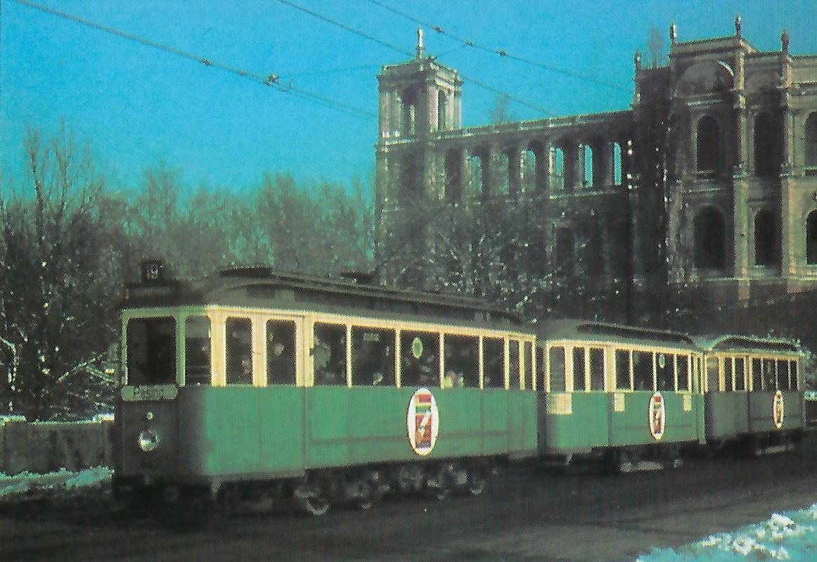 F 2.10-Triebwagen 642 vor dem Maximilianeum. Straßenbahn Bestell-Nr. 99201
