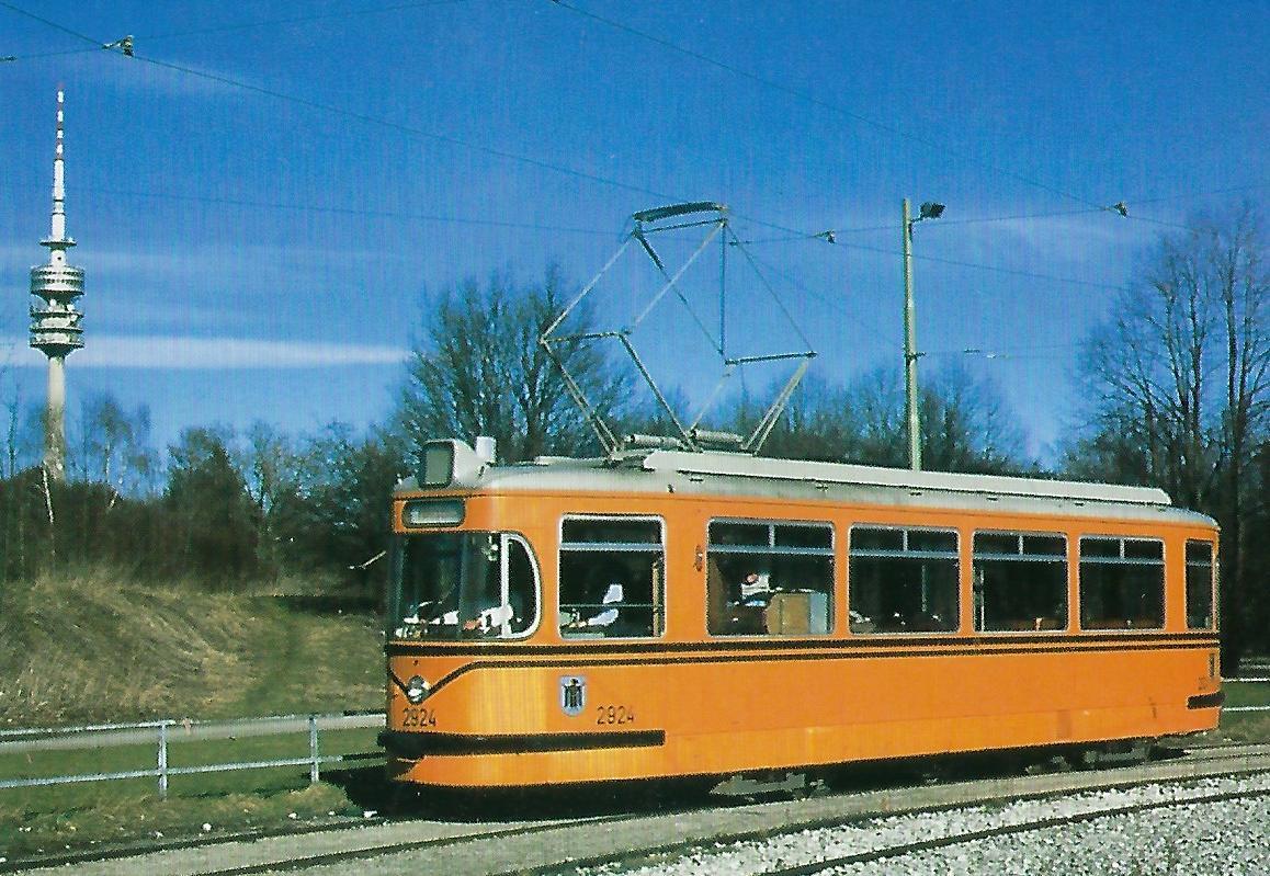 Fahrschultriebwagen 2924 am Olympiapark. Straßenbahn Bestell-Nr. 99215
