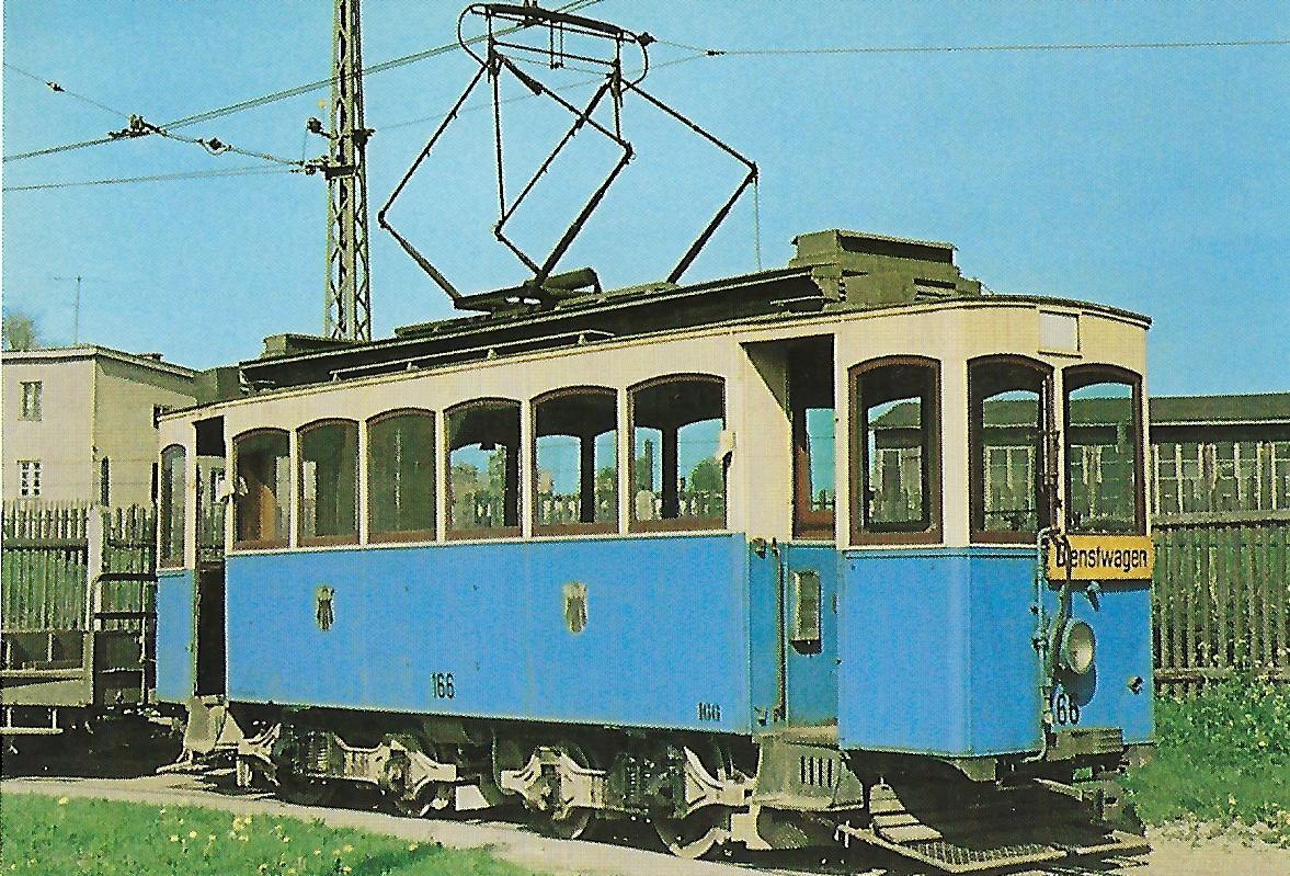 Triebwagen 166 an der Schlierseestraße. Straßenbahn Bestell-Nr. 99501